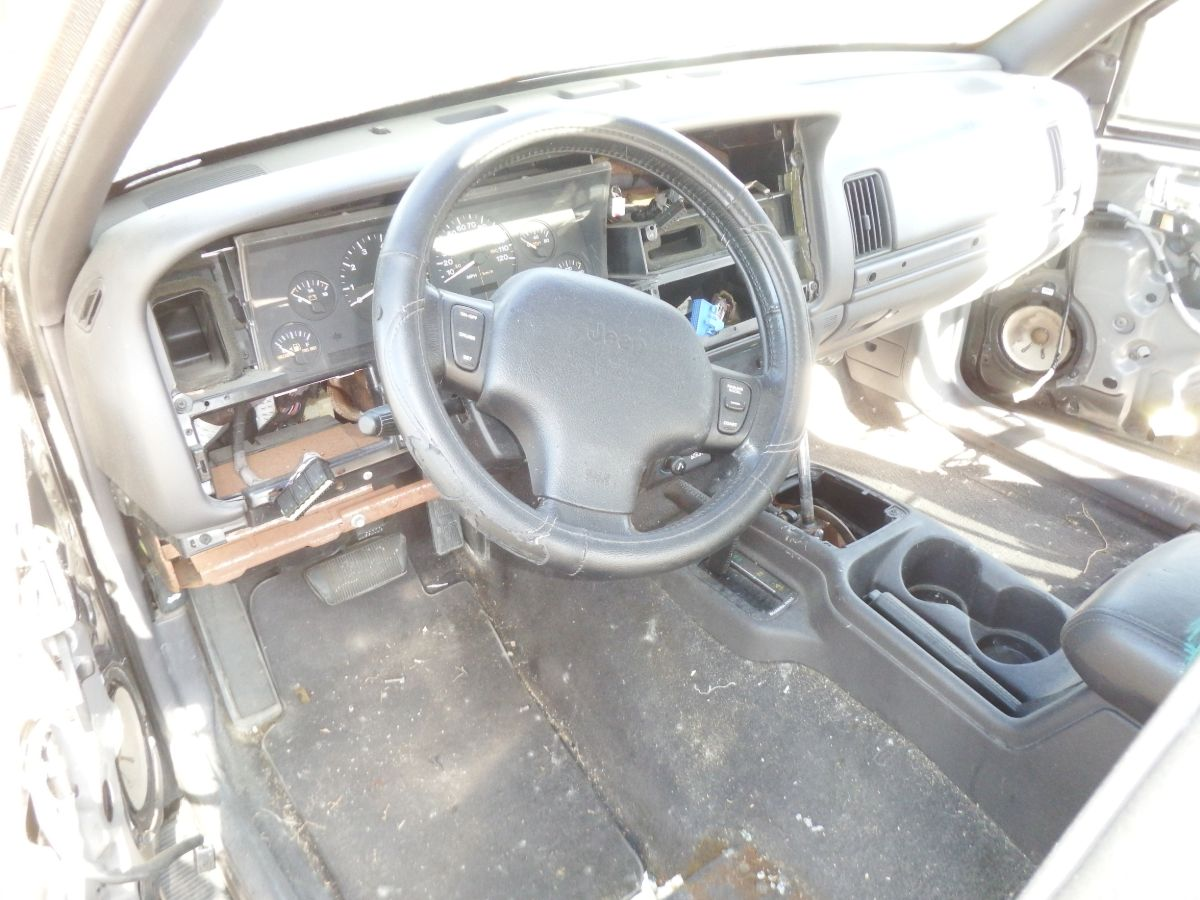 1998 Jeep Grand Cherokee 5.9 Limited Drivetrain Donor Jeep