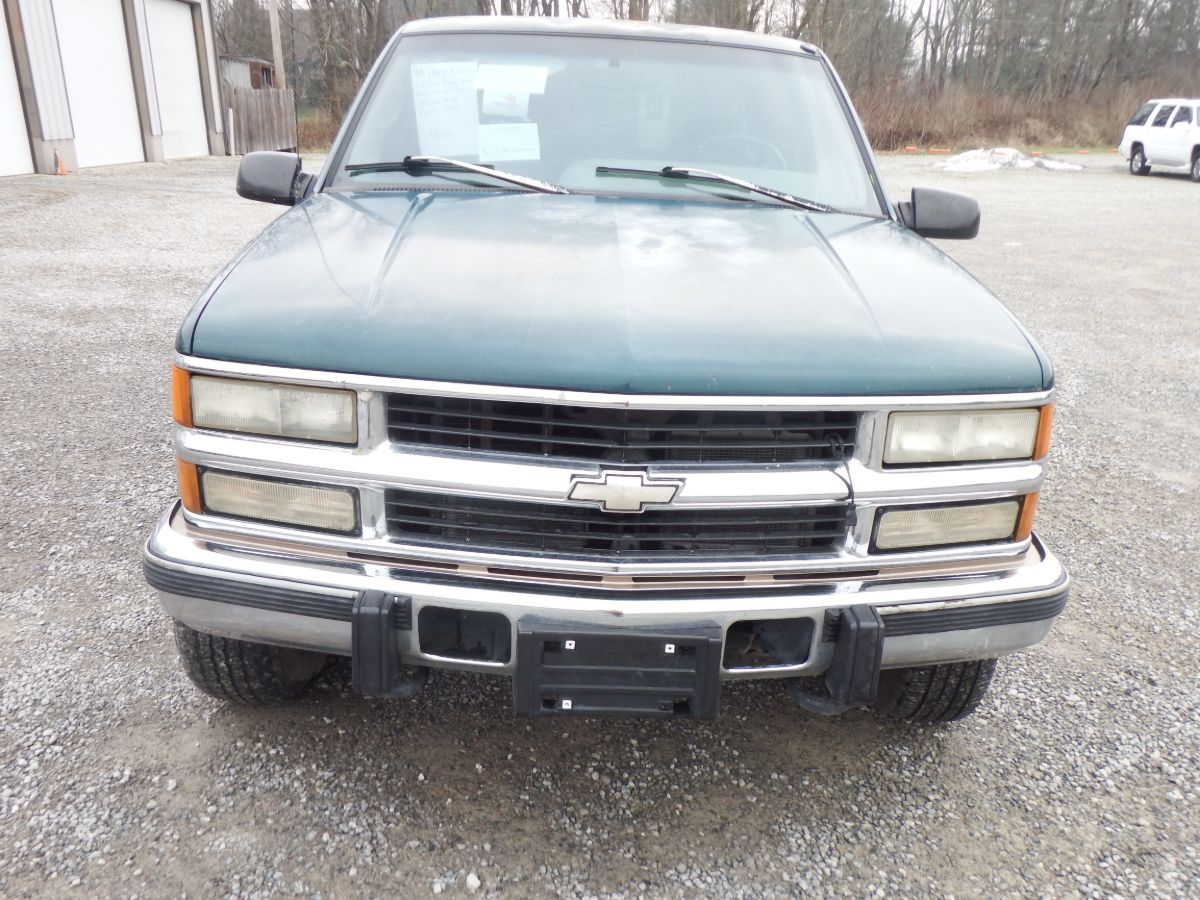 1996 Chevy K2500 Extended Cab Long Bed 4×4