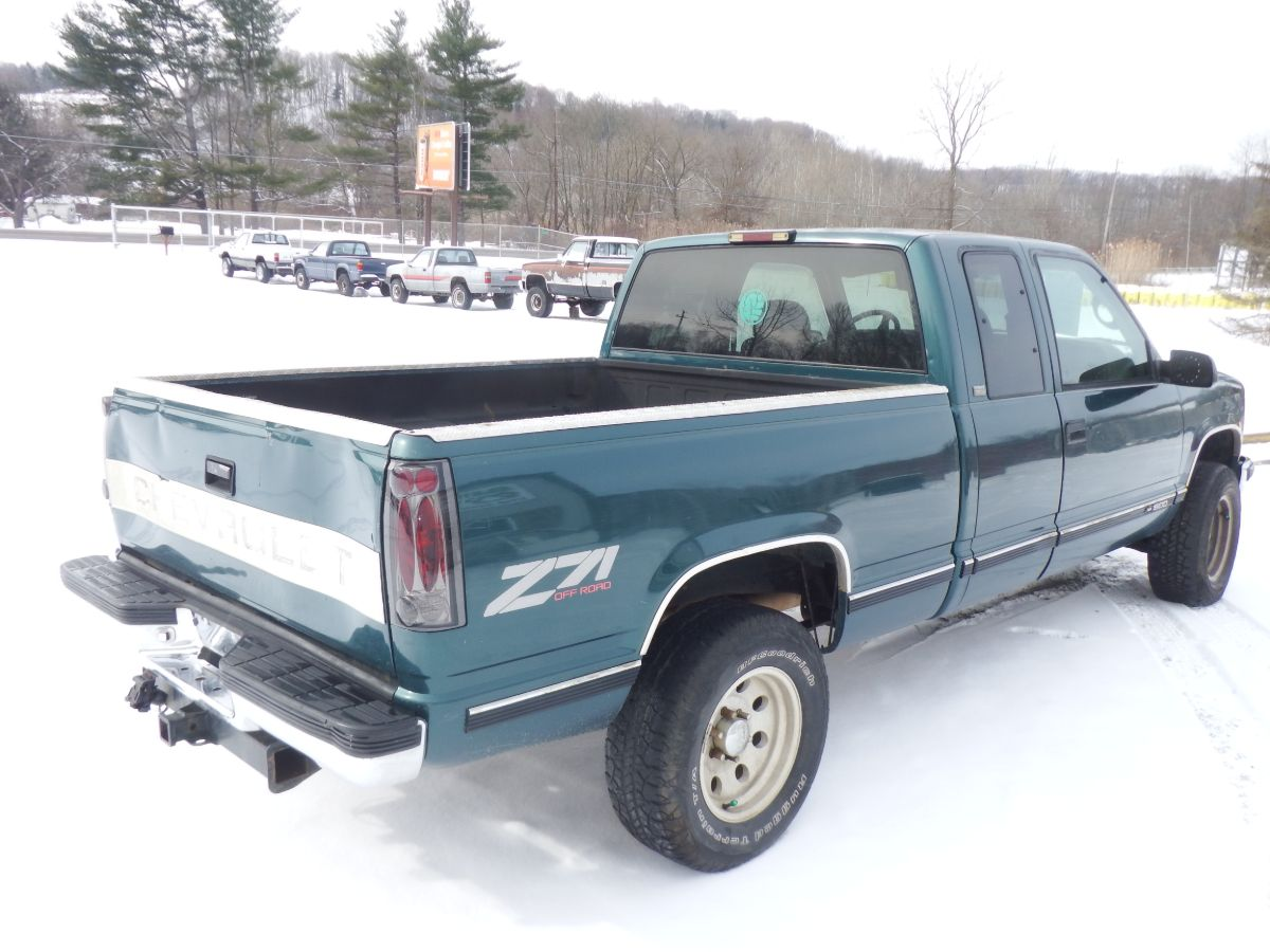 1997 Chevy Silverado K1500 Z71 3 Door Extended Cab Short Bed 4×4 Truck