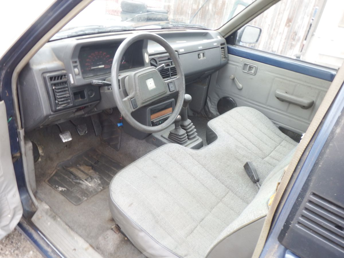 1989 Mazda B2600 4×4 Short Bed Truck