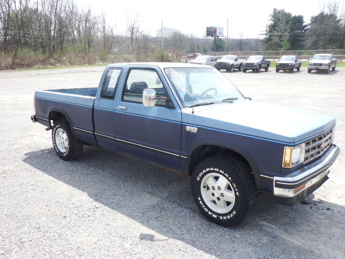 1986 Chevy S10 Tahoe Extended Cab Short Bed 4×4 S-10