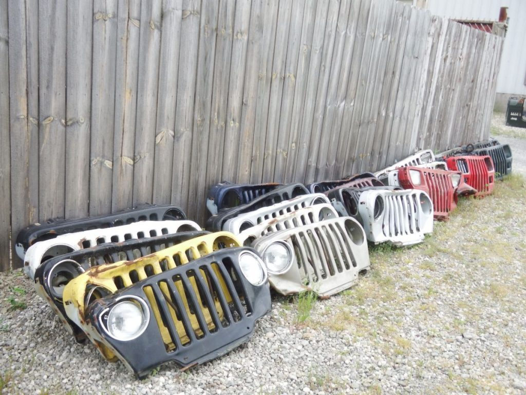 1987-2006 YJ TJ Jeep Wrangler Wall Hanger Grilles 20 Each Image