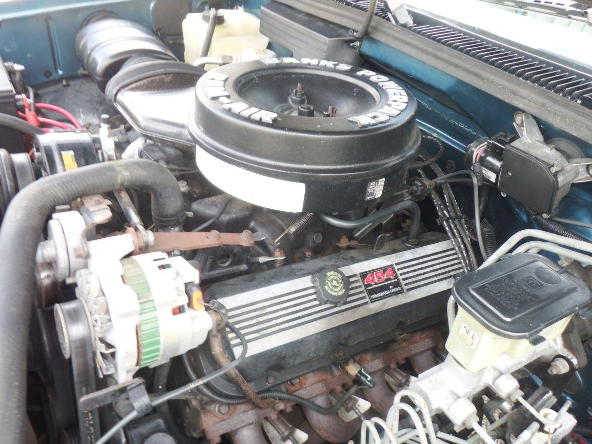 1992 GMC K2500 3/4 Ton Suburban 4×4 SLE
