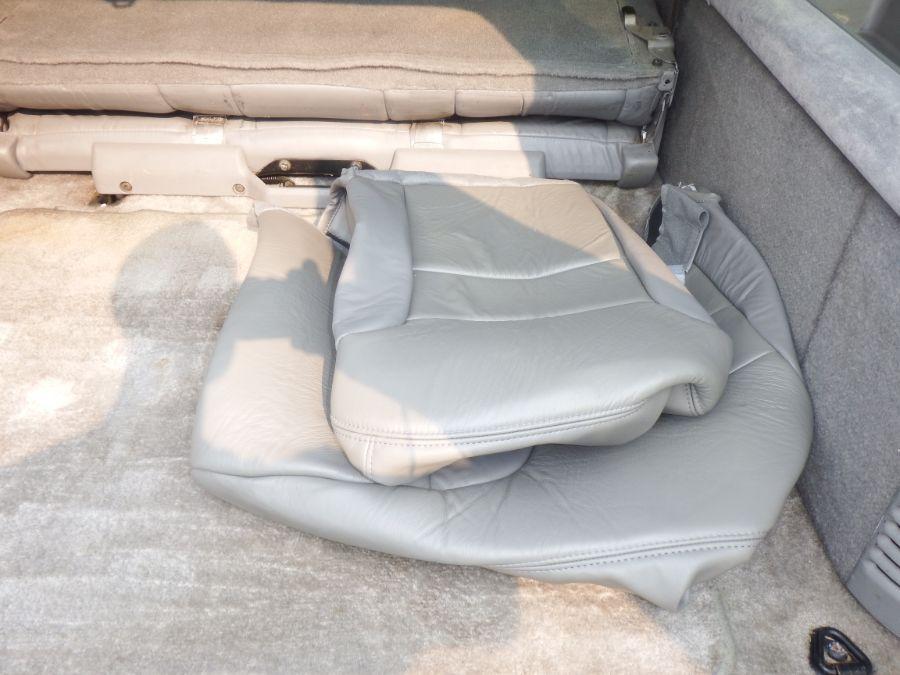 1999 Chevy Suburban K2500 3/4 Ton 4×4 LT