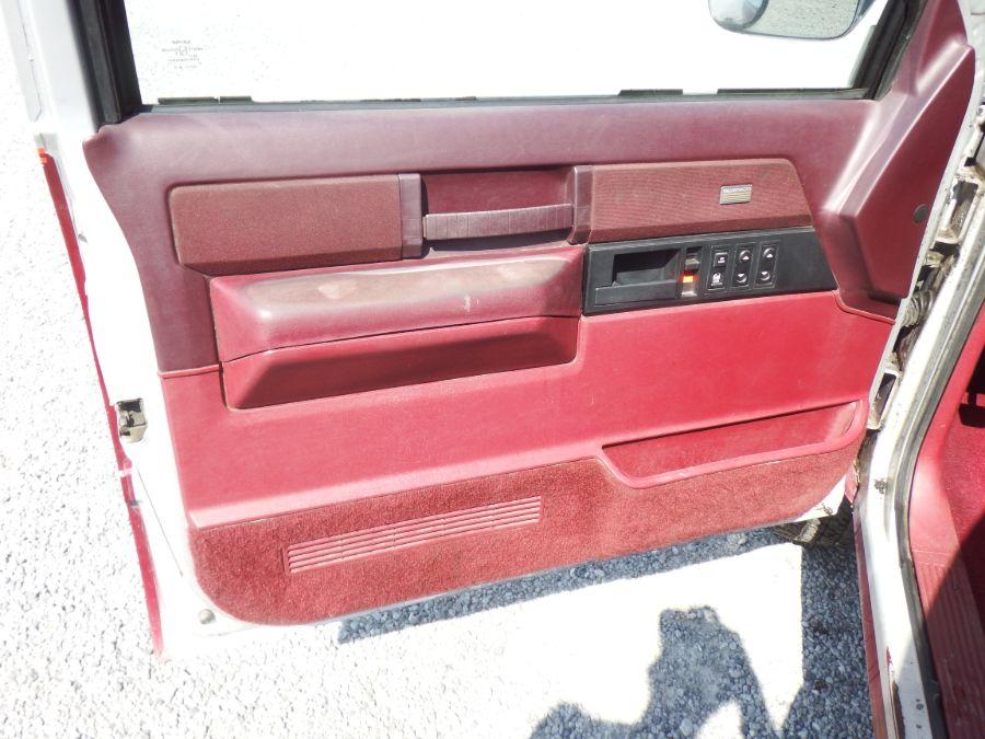 1989 Chevy K2500 Regular Cab Long Bed 4×4