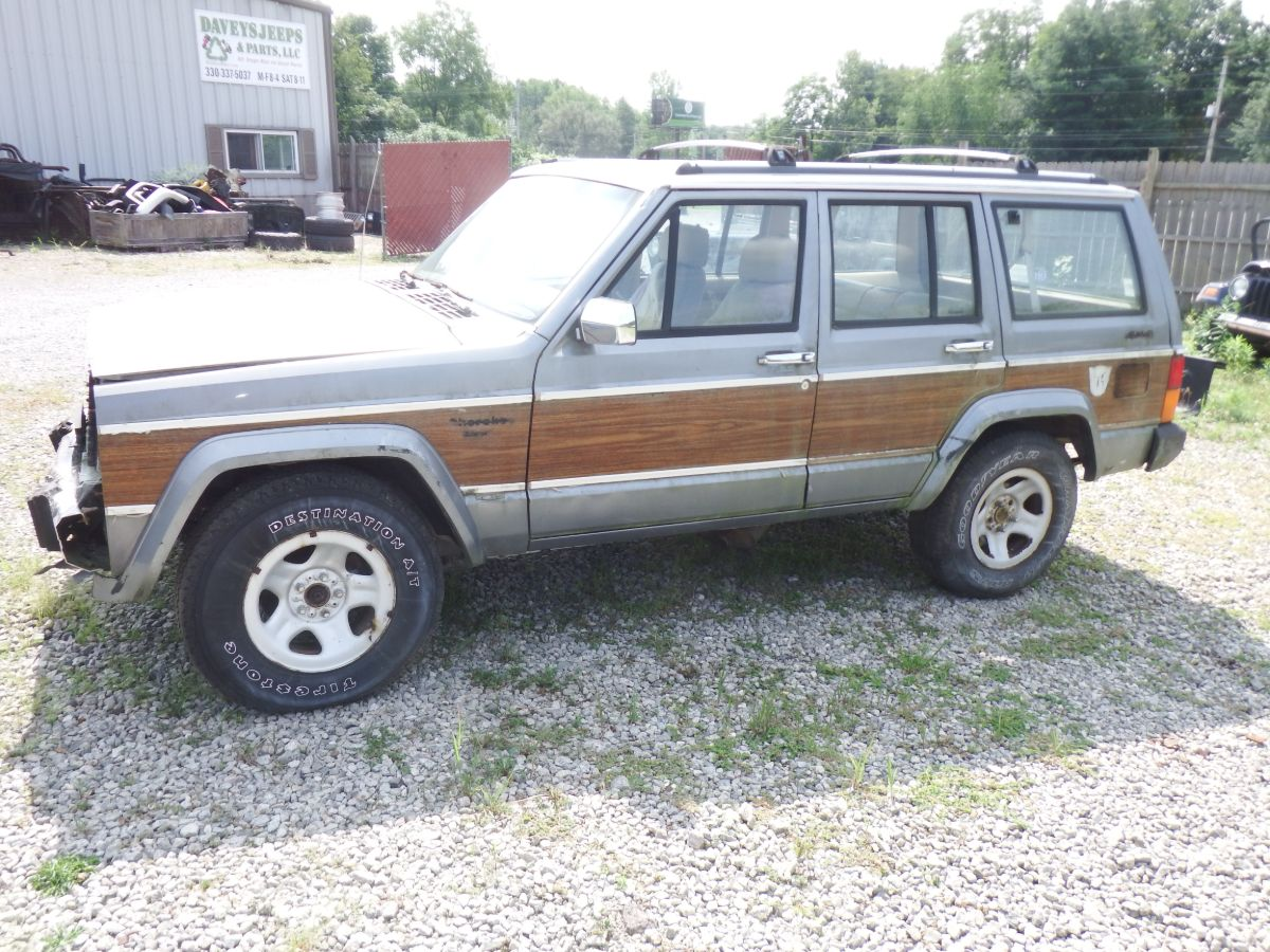 1992 Jeep Cherokee XJ Briarwood 4.0 Auto 242J Solid Body Parts Donor